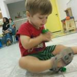 Play - יושב  ומשחק יפה